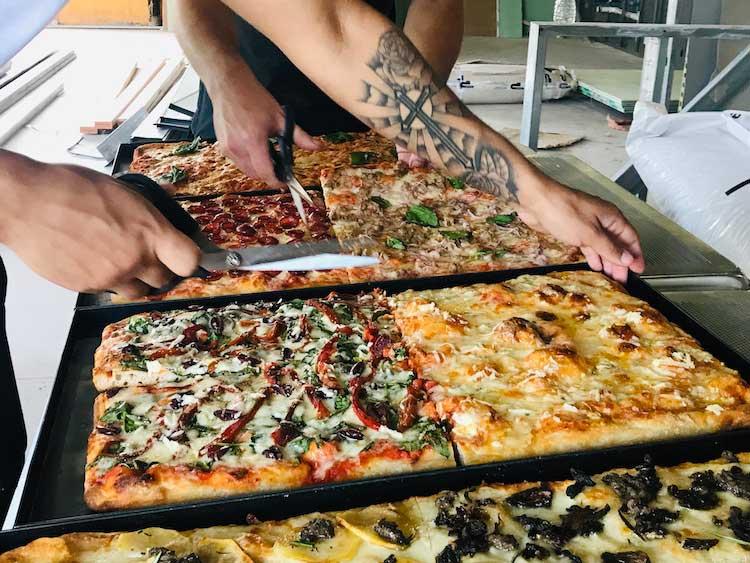 Cutting Pizza al Taglio alla Romana