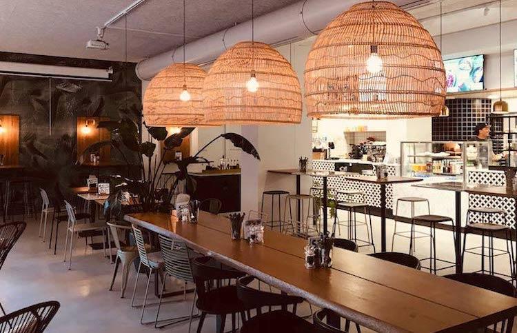 Stylish Pizza Restaurant - Pizza Consulting