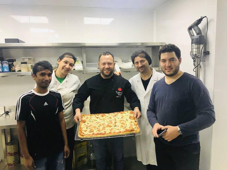 People-Roman-Pan-Pizza