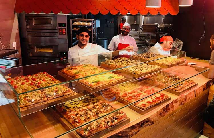 Pizza al taglio diplay - Pizza course