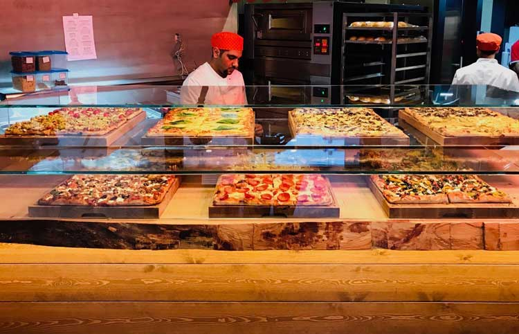 Pizza al taglio display