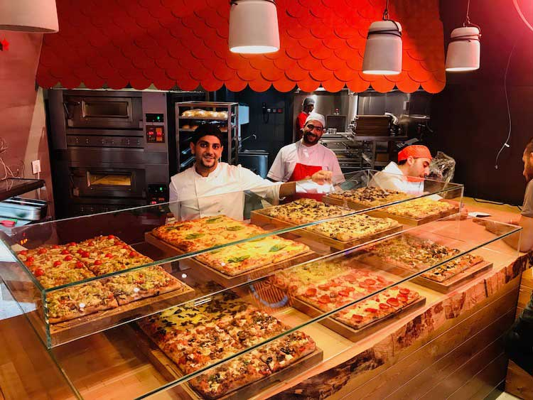 Pizzeria al Taglio Romana Display